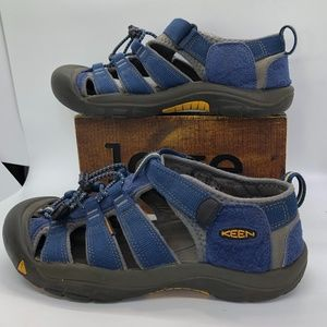 UNISEX KEEN Newport H2 Big Kids Sandals-US 5? W7